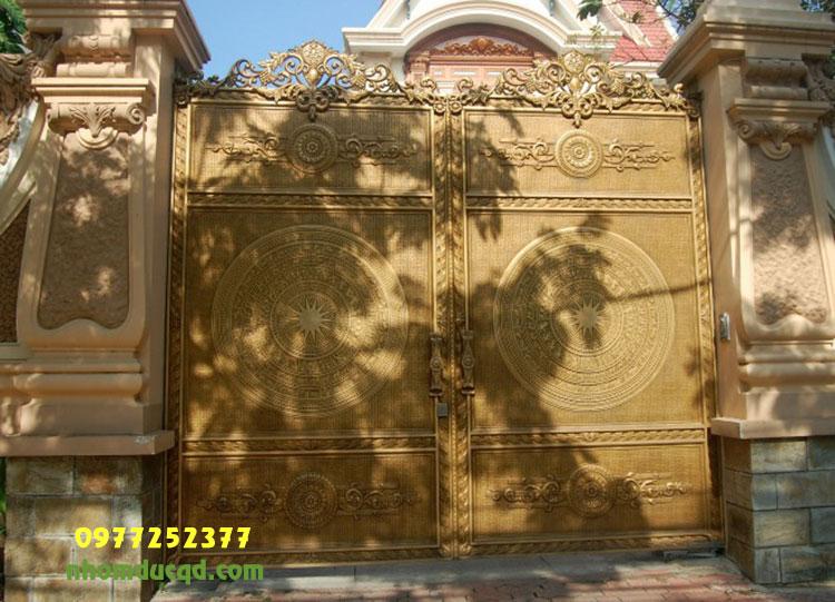 Thiết Kế Thi Công Cổng Nhôm Đúc Cho Biệt Thự