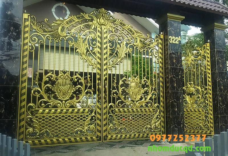 Cổng Nhôm Đúc Tại Gia Lâm Hà Nội do cong ty Quang Đại phân phối