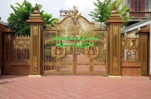Cổng nhôm đúc đẹp ở Đà Lạt do công ty nhôm đúc Quang Đại tư vấn thiết kế
