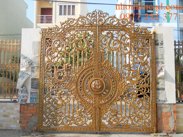 Mẫu cổng nhôm đúc đẹp ở Thái Nguyên
